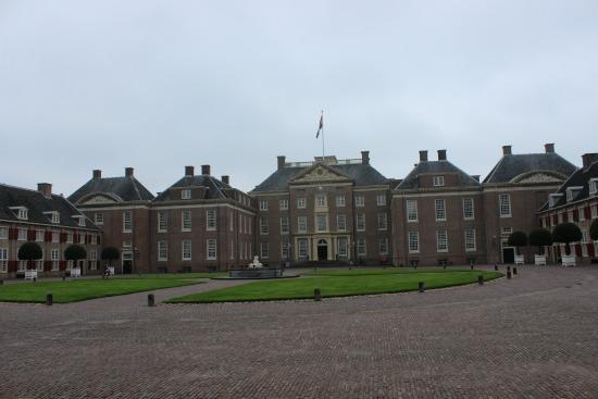 loo palace