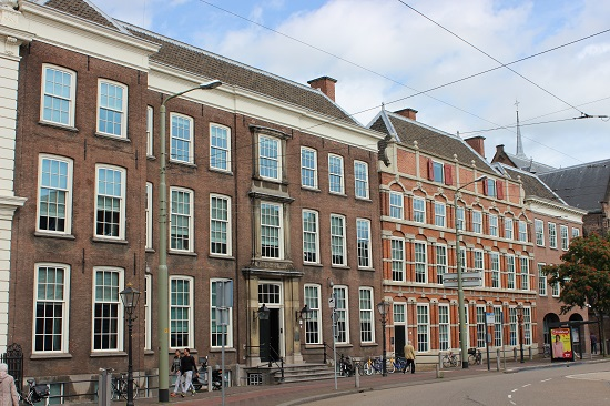 (left) Elizabeth Stuart's Residence