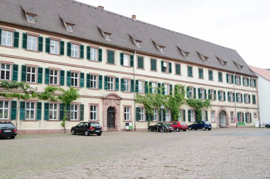 "Princely Palace in Amorbach ""Amorbach,Schloßplatz 1-001"" von Tilman2007 - Eigenes Werk. Lizenziert unter CC BY-SA 3.0 über Wikimedia Commons - https://commons.wikimedia.org/wiki/File:Amorbach,Schlo%C3%9Fplatz_1-001.jpg#/media/File:Amorbach,Schlo%C3%9Fplatz_1-001.jpg"